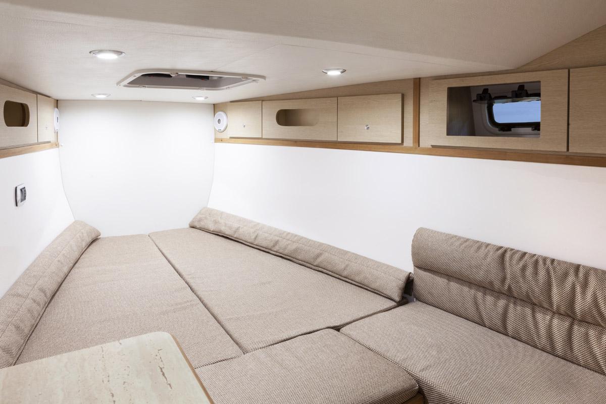 Fotografia nautica e barche, interni. In navigazione. Boat photography.