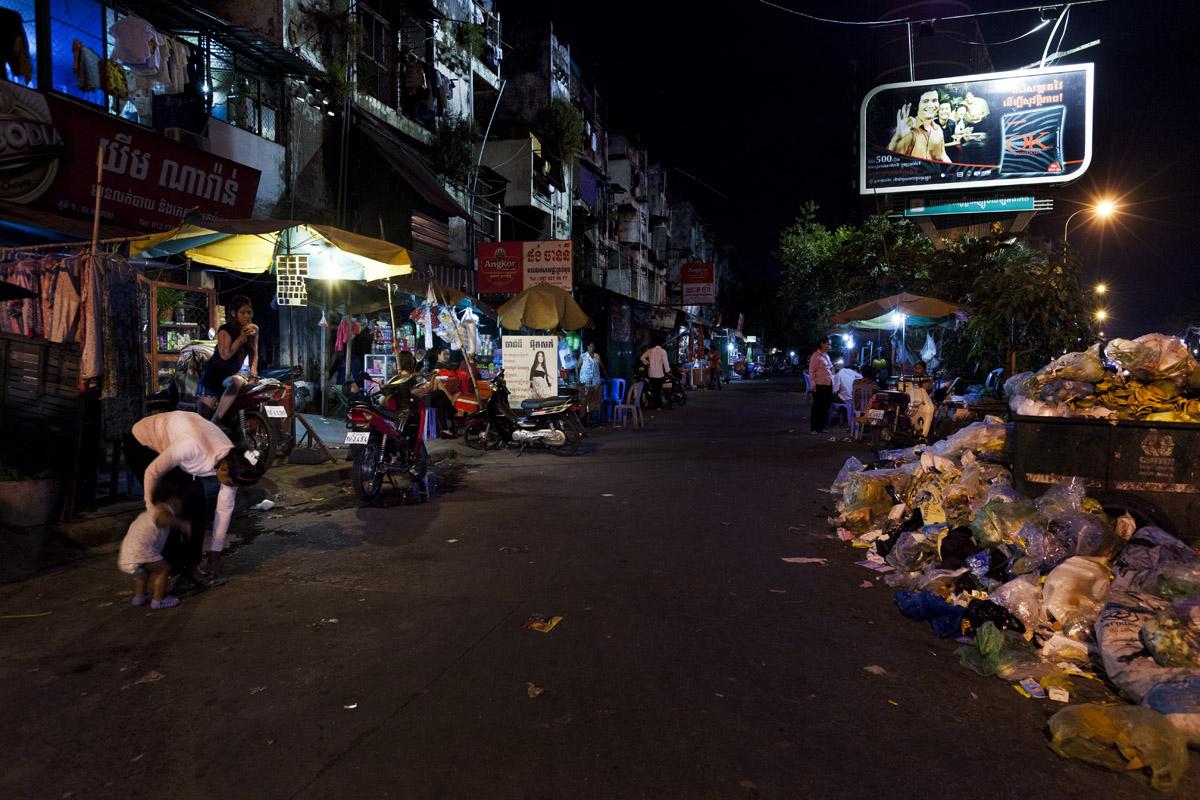 reportage, cambogia, storytelling, phnom penh, white building